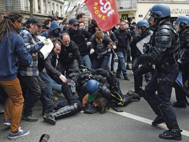 Manifs en France: De la répression maladroitement justifiée