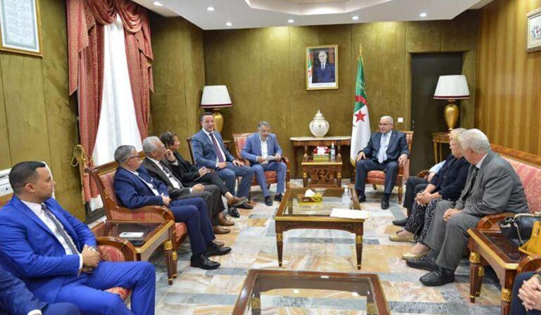 APN: Convergence des positions de la classe politique vis à vis de tout acte ciblant l'Algérie