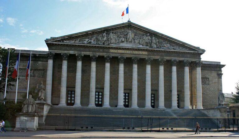 «Droit d'ingérence» dans les affaires des Etats souverains: Une dérive aux conséquences désastreuse